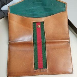 GUCCI  Beautiful  Vintage Classic Gucci wallet